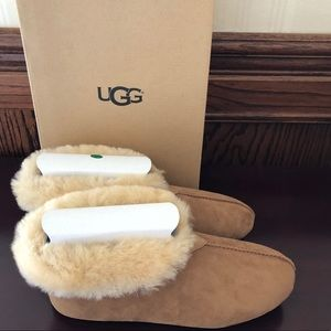 NIB UGG Women's Limited Edition Roo Revival Sz 9